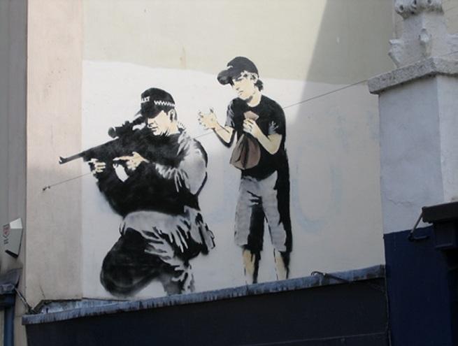 sniperbris banksy
